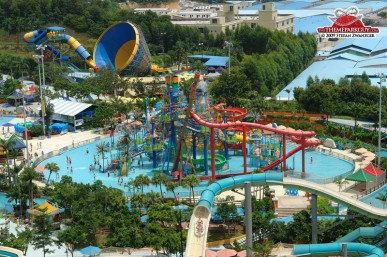 chime-long-waterpark-from-above-big.jpg